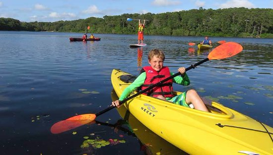 Brewster, MA: Blueberry Pond - Kayaking and Stand-Up Paddleboard