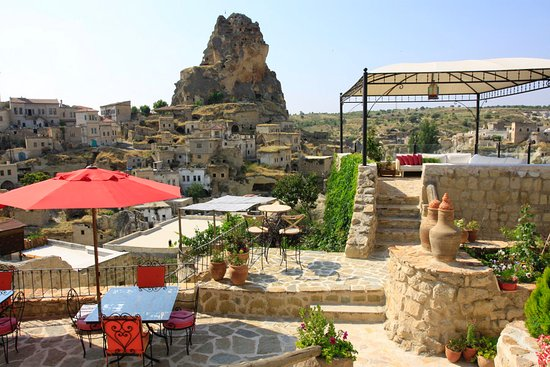 Hezen Cave Hotel: Terrace