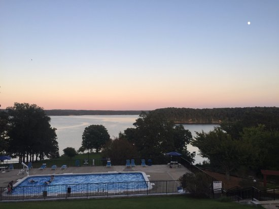 Hardin, Κεντάκι: View of the pool and Kentucky Lake from Kenlake lodge