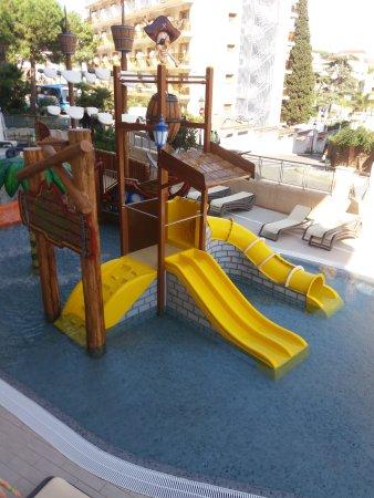Hotel Oasis Park Splash : Kids pool