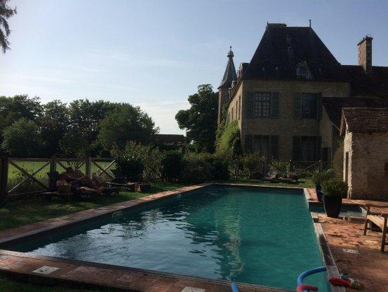 Saint-Paterne, França: Très agréable piscine !