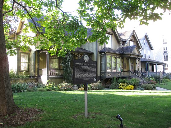 Evanston, IL: Frances Willard House Museum and historical marker