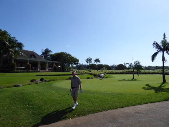 Heritage Golf Club: Club house and putting green