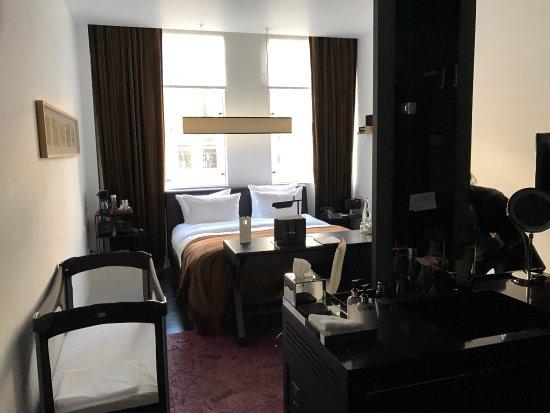 Sir Albert Hotel: photo1.jpg