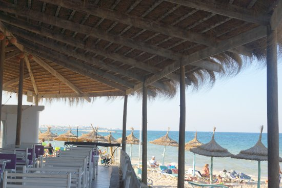 Thalassa Sousse Resort & Aquapark: Бар на пляже