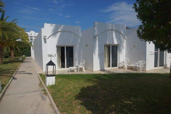 Thalassa Sousse Resort & Aquapark: Вид на наше бунгало