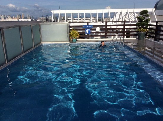 Microtel Inn & Suites by Wyndham Manila/At Mall of Asia: youngest at the pool