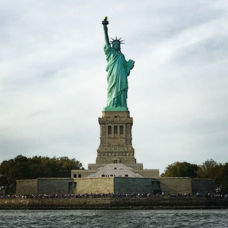 Tribeca Sailing : Statue of Liberty.