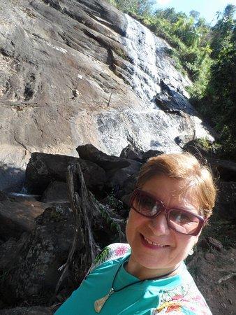Pedra Dourada, MG: Cachoeira Varandao