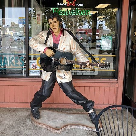 Fremont, CA: Elvis statue out on our patio