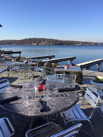 Lake Hopatcong, NJ: lakeside dining