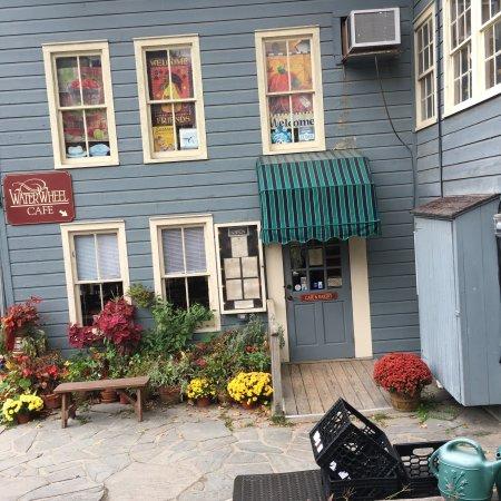 Waterwheel Cafe, Bakery & Bar