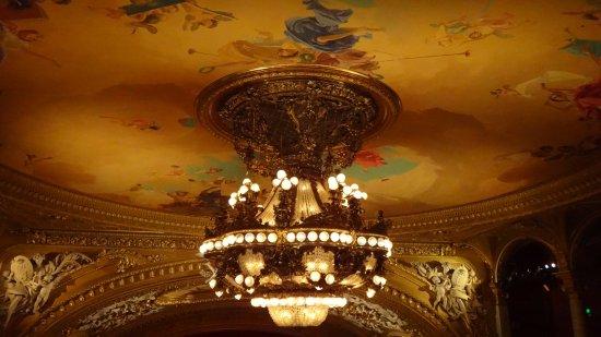 Opera House (Operan): The main chandelier