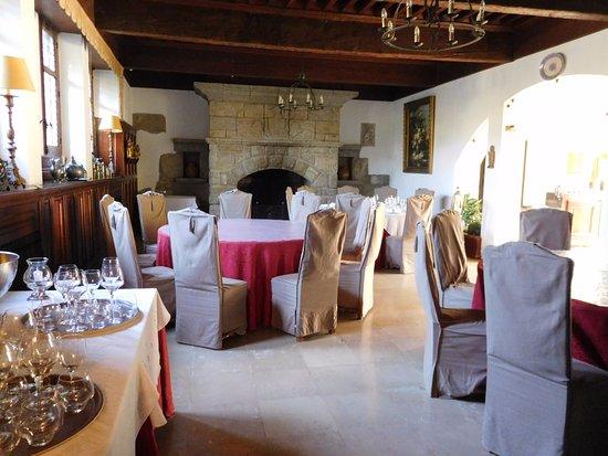 Floure, France: restaurant