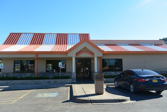 Whataburger: Outside view