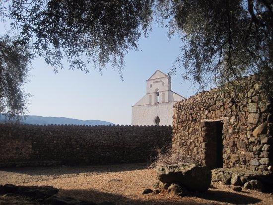Trenino Supramonte: Chisa di S. Pietro al Golgo