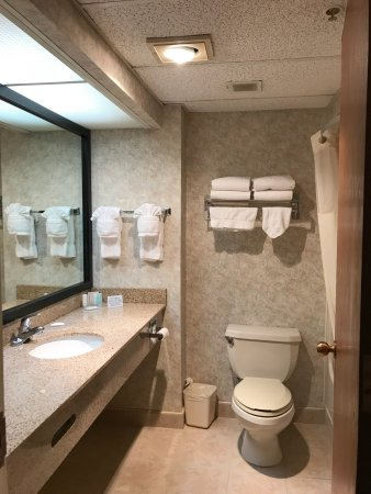 Clarion Hotel Toms River Average Room Rate