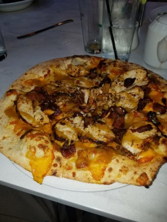 Greenville, DE: The Shue - BBQ chicken, mozzarella, fontina and scallions. Yum!