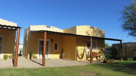Victorica, Argentyna: Cabañas a pocas cuadras de la estación de servicio bien pampeanas