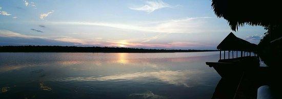 Iquitos Amazon Region, Peru:  Internados en la selva en el Cumaceba Amazon, Iquitos nos regaló este hermoso atardecer