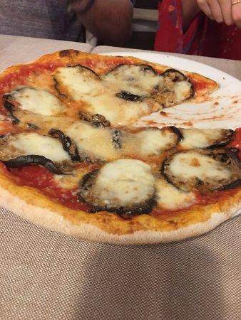 Trattoria Da Cesare: Eggplant pizza