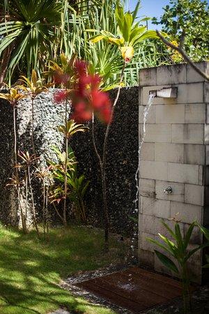 The St. Regis Bora Bora Resort: Beachside Villa with Pool - Outdoor Shower