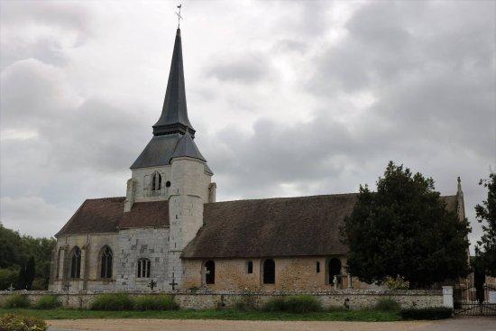 La Residence Normande: A near church