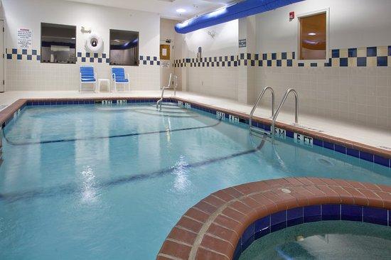 Clanton, AL: Swimming Pool