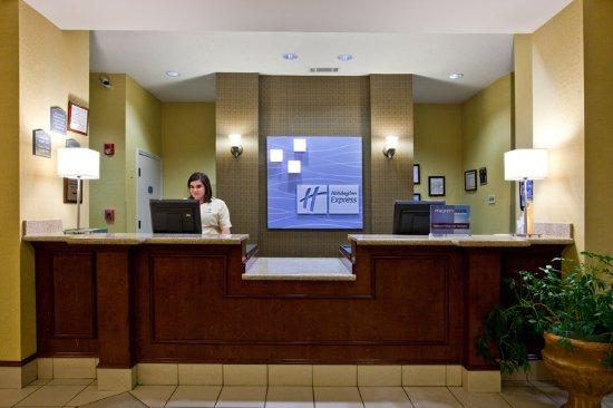 Clanton, AL: Front Desk