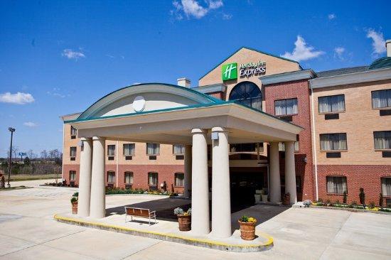 Clanton, AL: Hotel Exterior