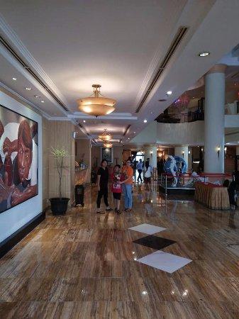 Hotel Grand Candi Semarang: lobby area