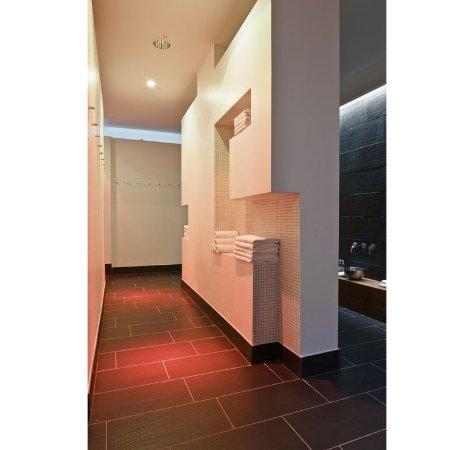 Bathroom Bild Fr 229 N Hotel Q Berlin Tripadvisor