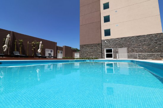 Candlewood suites celaya bewertungen fotos for Swimming pool preisvergleich
