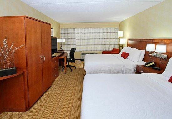 Mount Arlington, NJ : Queen/Queen Guest Room