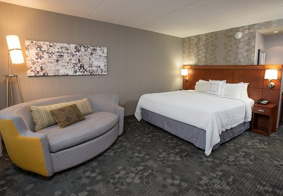 West Chester, OH: King Guest Room