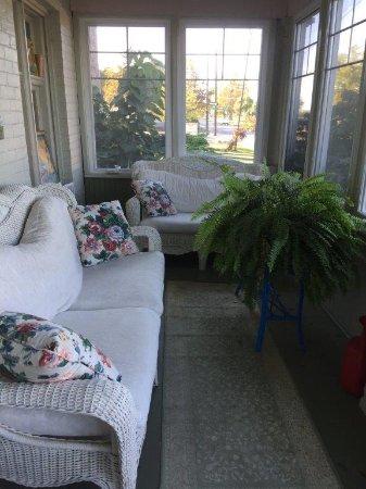 ground floort sun porch
