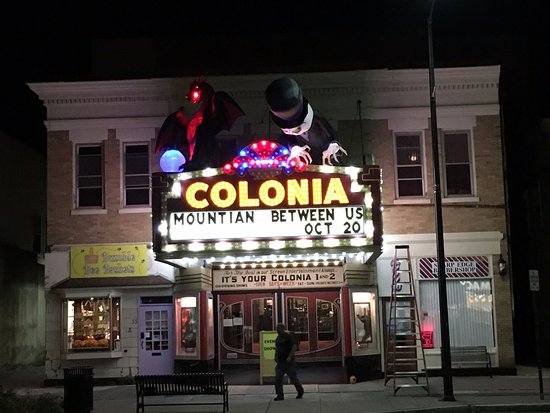 Norwich, NY: Historic theater in walking distance