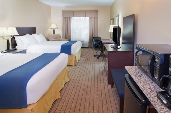 Holiday Inn Express Hotel & Suites Courtenay Comox Valley SW: ADA/Handicapped accessible Two Queen Guest Room