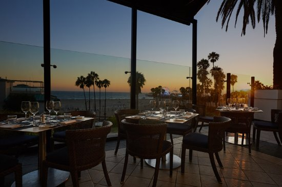 Loews Santa Monica Beach Hotel: Ocean Vine Terrace