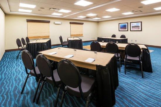 Deer Lake, Canada: All Meeting Rooms Offer Free WiFi and AV Equipment