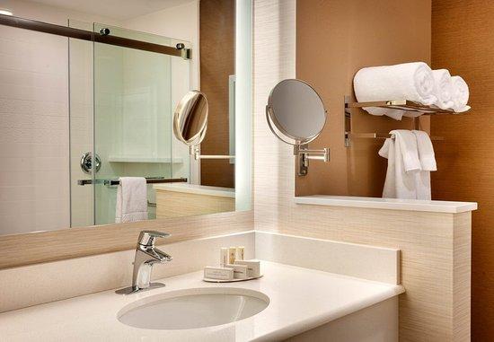 Midvale, UT: Guest Bathroom