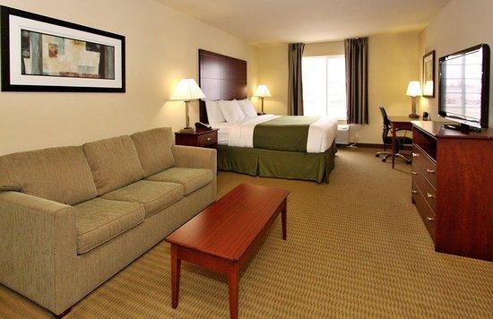 Seward, NE: King Guest Room