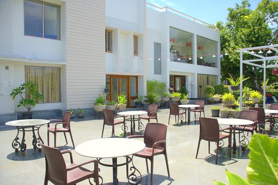 hotel Located in Sriperumbudur,