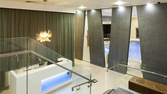 Executive Shower Room Picture Of Crowne Plaza London