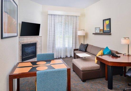Harrisonburg, VA: One-Bedroom King Suite - Living Area