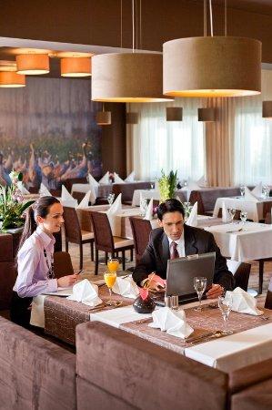 Hotel Platinum : Restaurant