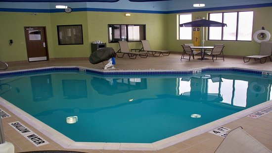 Kittanning, Пенсильвания: Relax and unwind in our heated indoor swimming pool