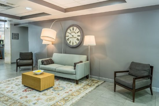 Cookeville, TN: Family Sitting Area