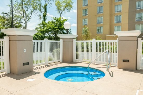 Cookeville, TN: Pool/Hot Tub