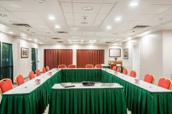 Cookeville, TN: Meeting Room-Business U-Shape Setting
